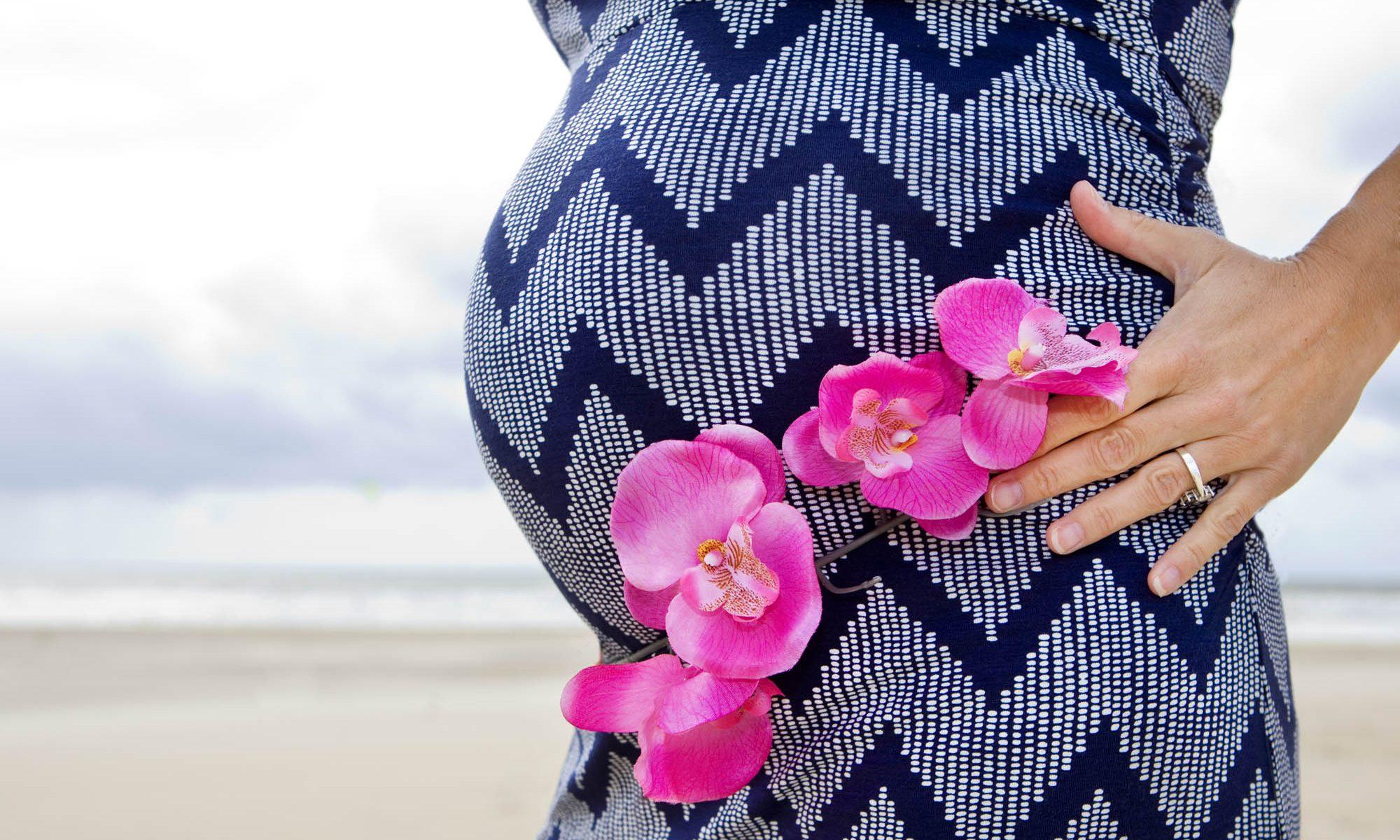 Pregnancy Photo shoot beach