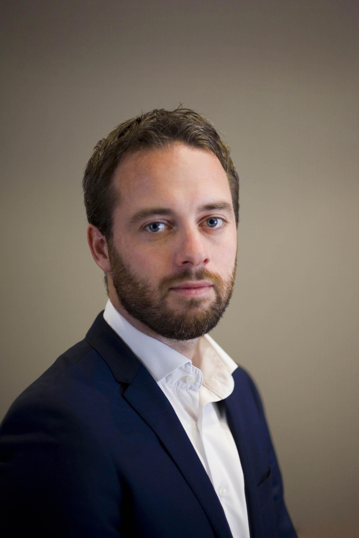 Profielfoto headshot man formeel portret zakelijke fotografie LinkedIn cv fotografie Den Haag