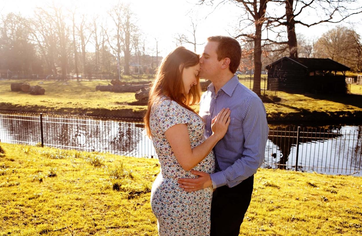 Zwangerschapsfotografie portret zwangerschap fotograaf loveshoot den Haag