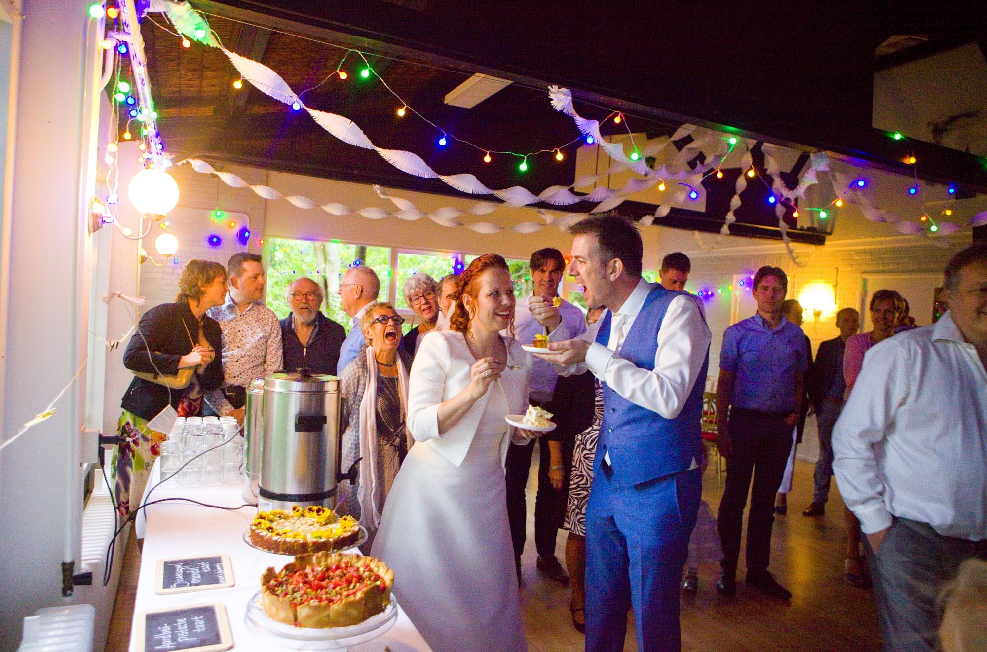 Bruidsfotografie sfeerverlichting bruiloft decoraties trouwfeest bruidstaart Hertenhorst Delft