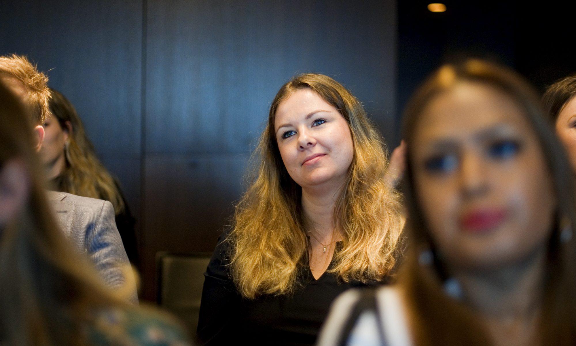 Zakelijke fotografie personeels meeting Den Haag