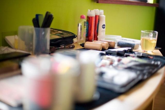 Makeup bruiloft Raadhuis Leidschendam en Witte Paard Nootdorp binnen